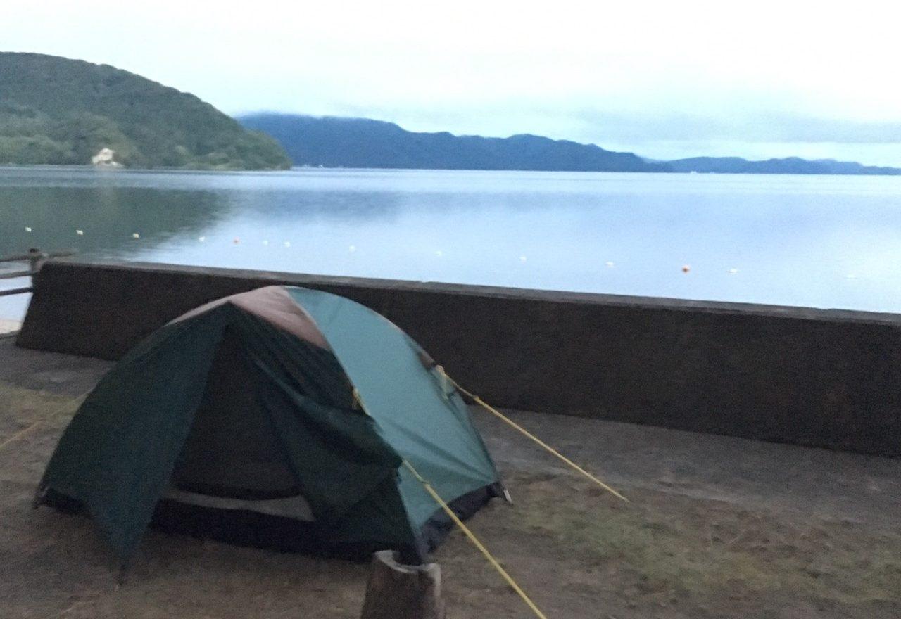 猪苗代湖でのキャンプ